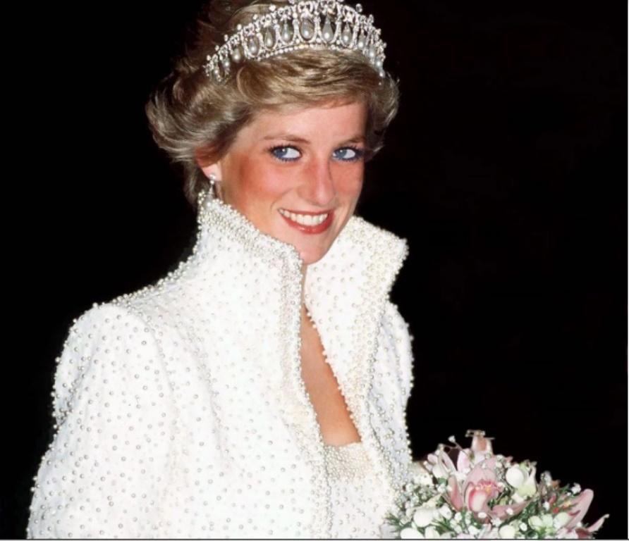 Принцессе Диане будет посвящена скульптура в саду ее дома: заявление сыновей