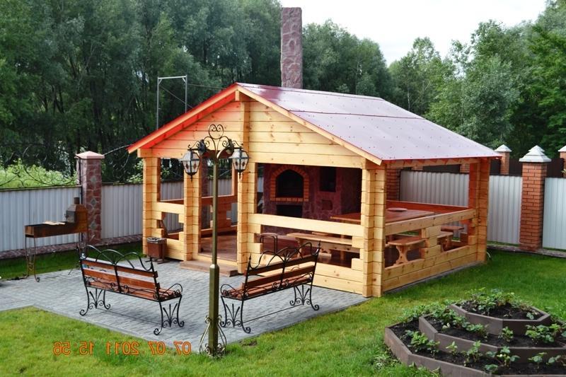 Дорожки, крыша и средство от сорняков: как использовать старый линолеум на даче