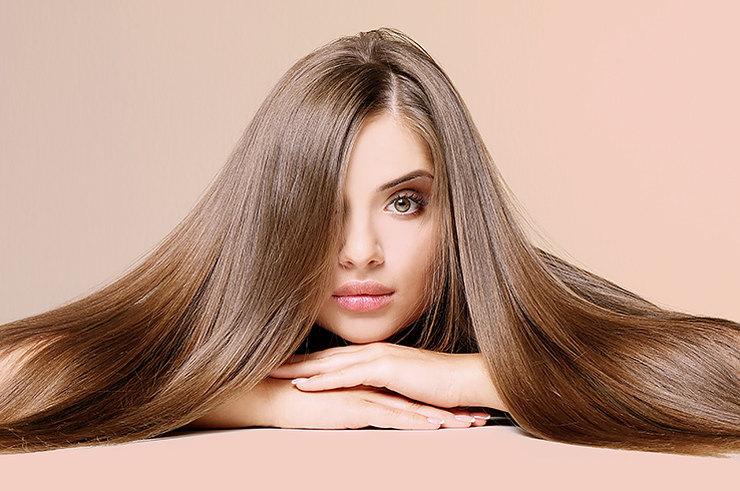 Вишнево-красные оттенки: какой цвет волос сейчас на пике моды (каштановый, прощай)