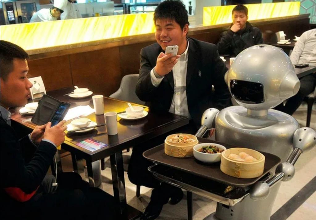 Россиянка рассказала, что китайцы могут громко слушать музыку в кафе: чтобы они сделали тише, нужно привести один аргумент