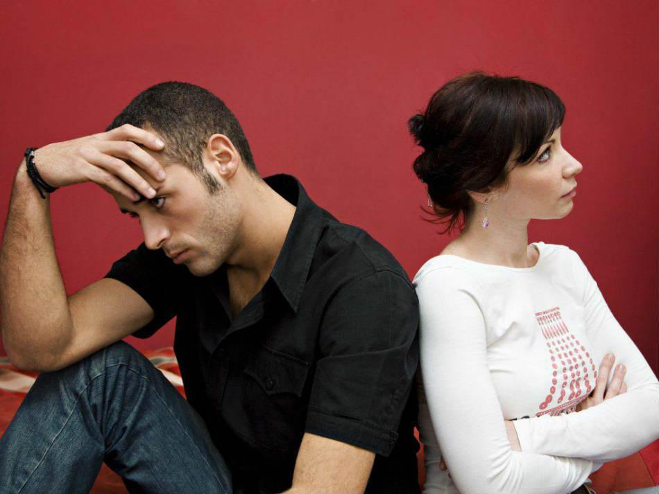 Неудачные отношения очень часто складываются по одним и тем же сценариям: 4 самых распространенных варианта, которые заложены в нас с детства