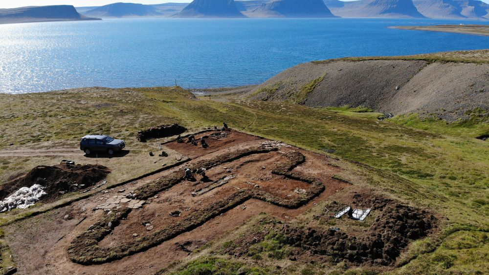 Исторический фундамент: в Исландии обнаружили остатки дома, упомянутого в средневековой саге (фото)
