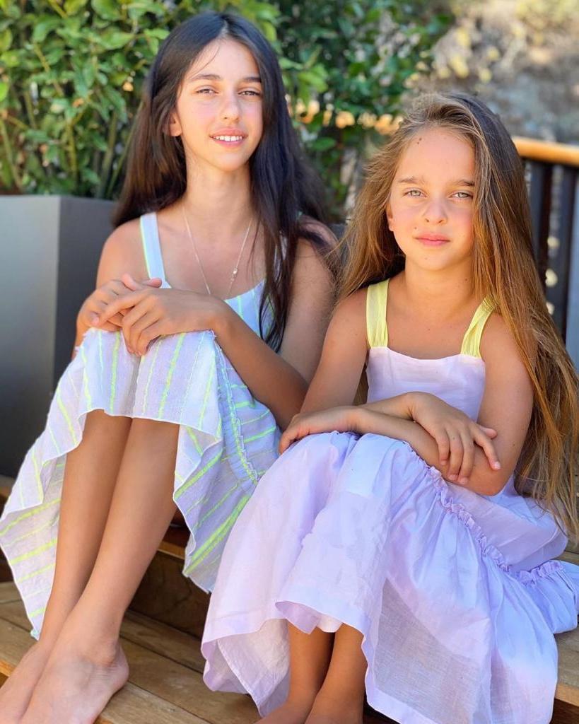 Дочки Александра Реввы   яркие красотки. Алиса и Амелия подросли и еще больше похорошели (новые фото)