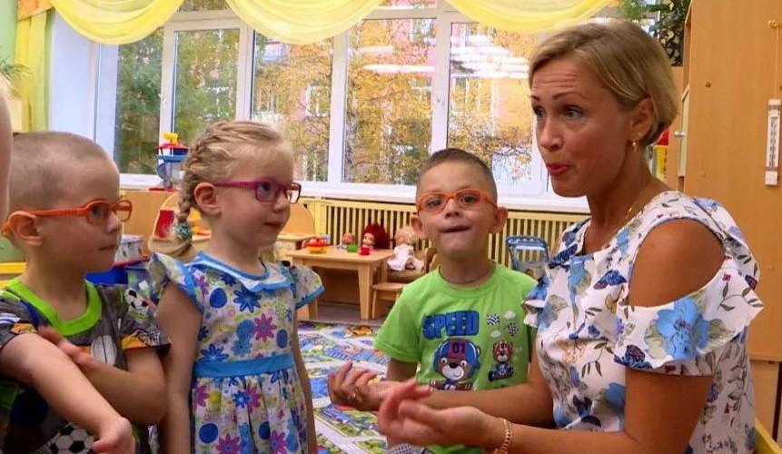 Когда лучше отдавать ребенка в детский сад и как помочь ему привыкнуть