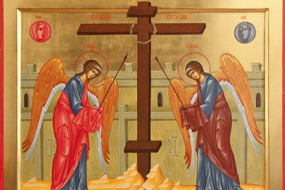 На Воздвижение Креста Господня из церкви принесу три свечи и прочитаю молитву