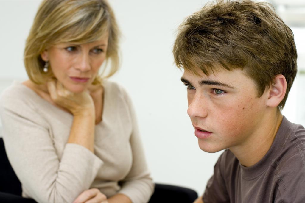 Выслушайте и поддержите: как вести себя, если подросший ребенок грубит вам