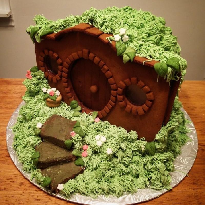 Добавила сказки в повседневную жизнь: приготовила пряничный  домик хоббита , вдохновившись произведениями Толкина