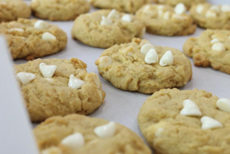 Печенье по классическому рецепту из США с ванильно-белым шоколадом: порадуйте своих близких вкусной выпечкой