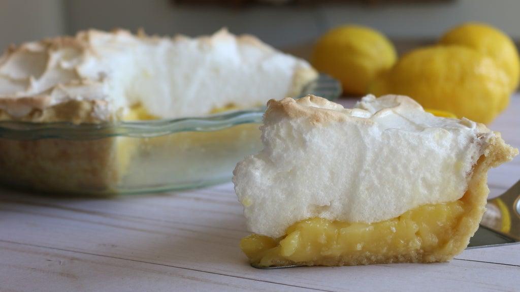 Ванильный пирог с цитрусовой изюминкой: простой рецепт десерта с лимонным безе