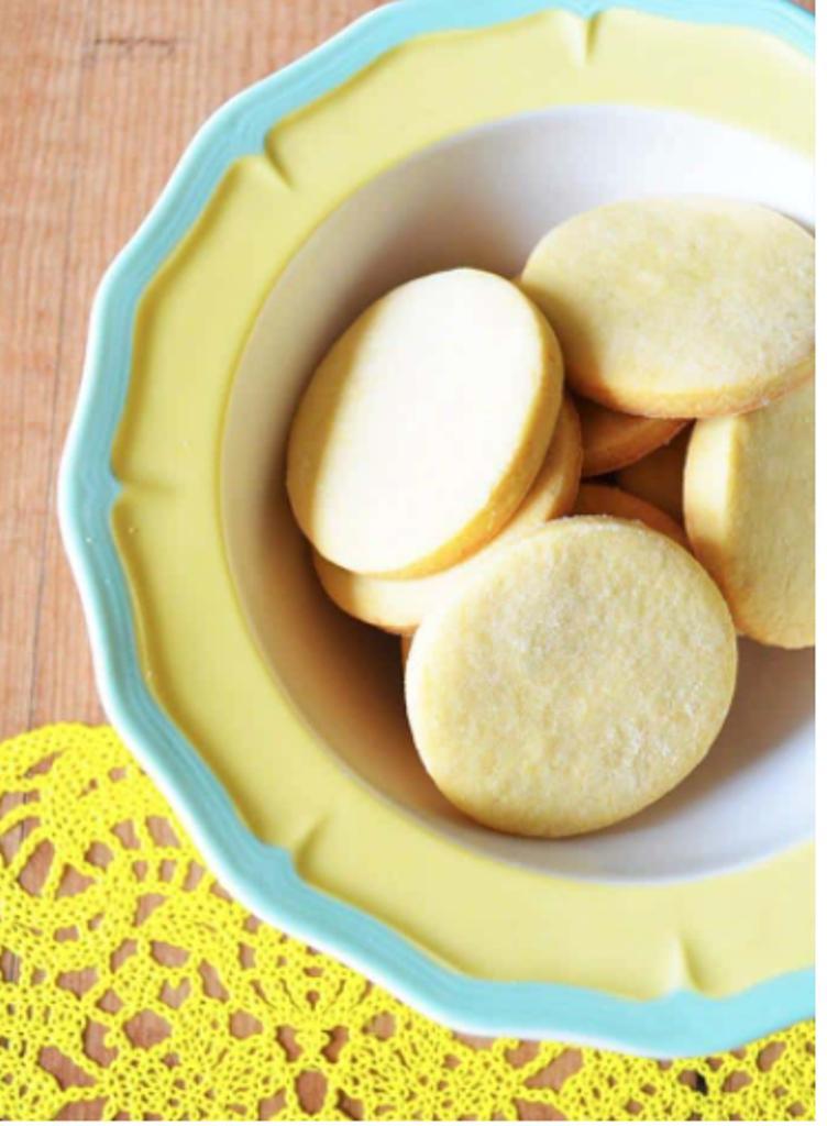 Веганские лимонные печенья без масла. Легкие, рассыпчатые и хрустящие, они отлично подходят для чашки кофе