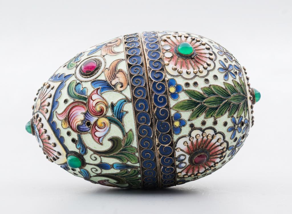 Шедевры русской эмали : в музеях Московского Кремля открывается выставка работ Фаберже и Рюкерта (билеты уже в продаже)