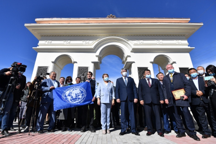Монумент первооткрывателям Центральной Азии был установлен и торжественно открыт в Бурятии
