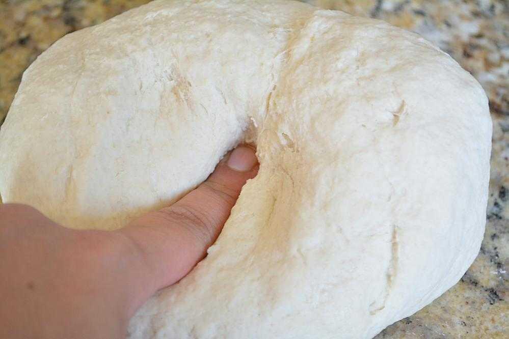 Решила поностальгировать. Нашла в тетрадке старенький советский рецепт орехового пирога: маргарин, цедра лимона, яйцо