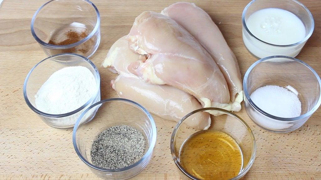 Приготовил необычные куриные наггетсы: главная изюминка - кокос и мед. Делюсь рецептом