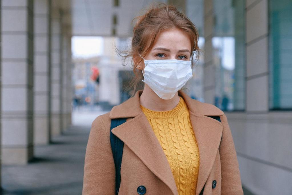 Чем толще маска, тем больше проблем с кожей: как предотвратить прыщи из-за ношения масок