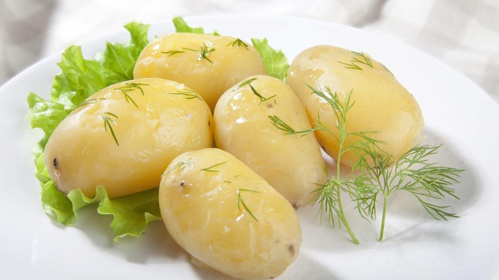 Не надо бояться картошки: диетолог рассказала о дешевых и полезных продуктах