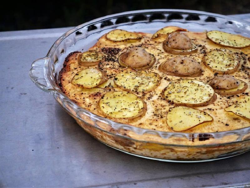 Картофель с сыром чеддер и маслом на гарнир: радуем своих родных и близких необычным ужином