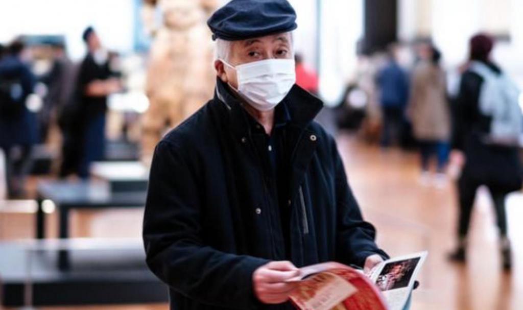 Работающих пенсионеров на  дистанционку : мэр Москвы призвал людей старше 65 лет оставаться дома