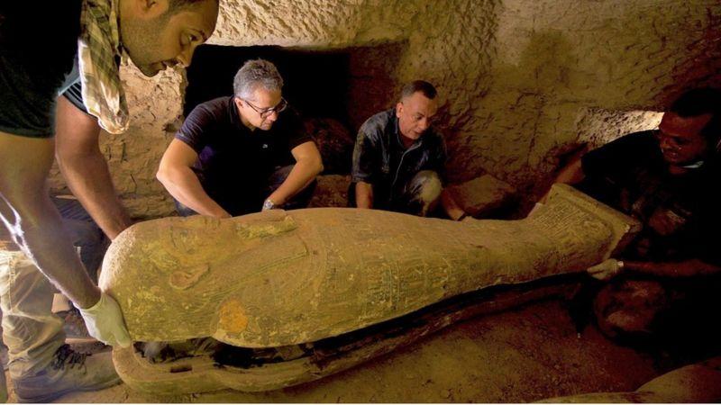 К югу от Каира пробуждаются древние: археологии отыскали 27 саркофагов, пролежавших в земле 2500 лет