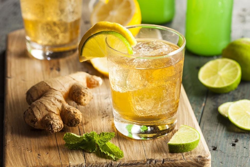 Благодаря этому напитку я похудела на 8 кг. Делаю его из мяты, имбиря, лимона и корицы