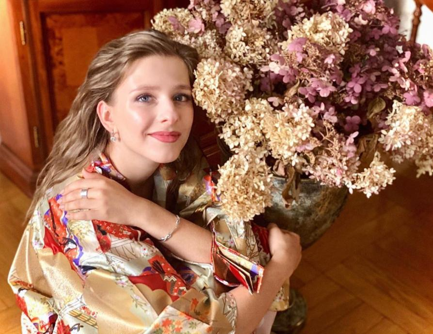 Лиза Арзамасова рассказала, как волновалась на сцене во время первого после карантина спектакля: Илья Авербух поддержал возлюбленную в комментариях теплыми словами