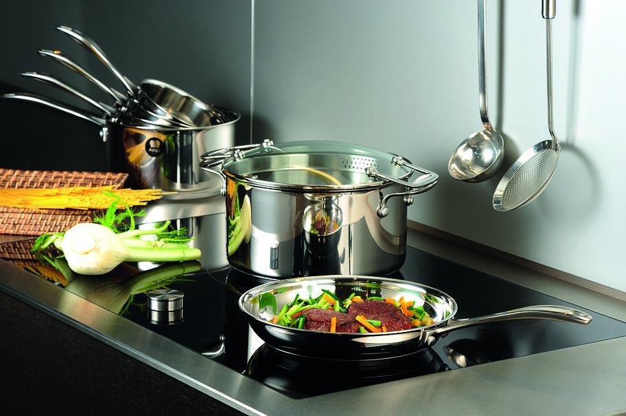 Кухонные будни: как заставить сверкать испачканную утварь и почему понадобится много лимонов