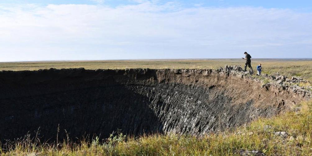 Огромные кратеры продолжают находить в Сибири, но никто не знает, как они появляются