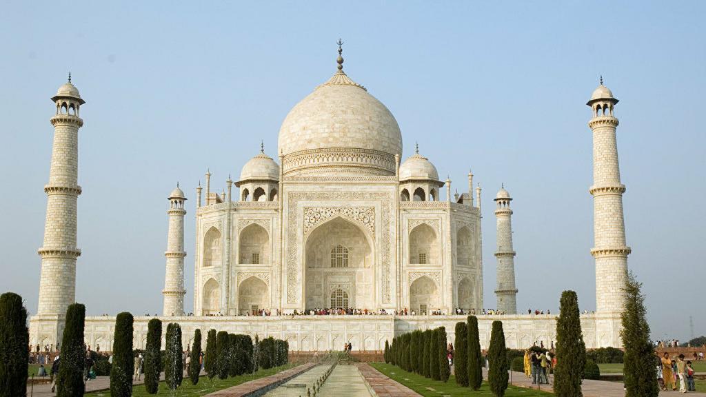 Знаменитый памятник Индии Тадж-Махал вновь открывается после 6 месяцев закрытия из-за COVID-19: но работать будет по-новому