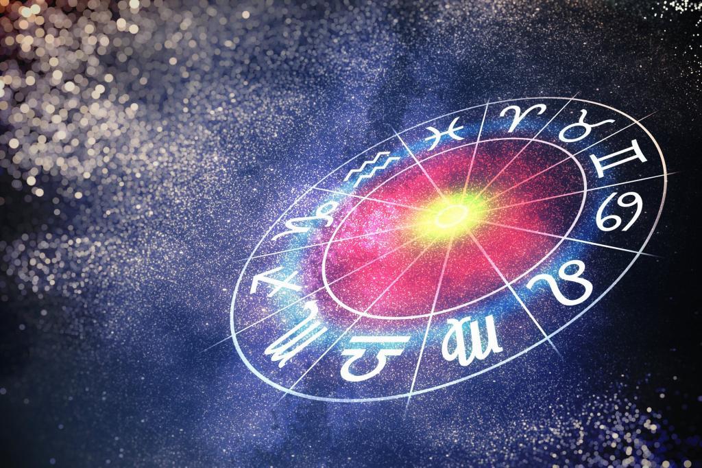 Скорпионов ждет лучшая неделя: астрологи назвали 3 знака, которым улыбнутся звезды