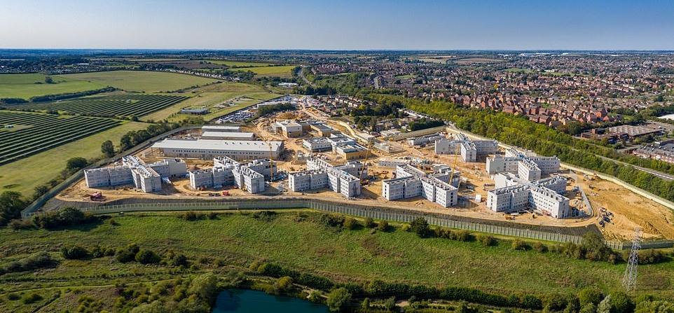 Похожа на роскошный отель: в Великобритании строят тюрьму с озером, садами, стоимостью более 300 млн долларов