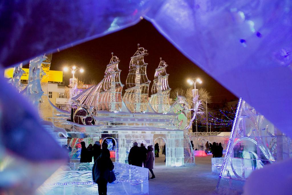 Ледяная сказка: за 100 дней до Нового года уральские города определяются с выбором темы для ледовых городков