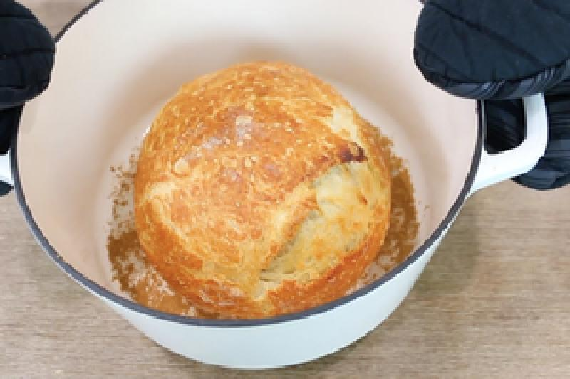 Хлеб из 4-х ингредиентов без замеса и хлебопечки своими руками