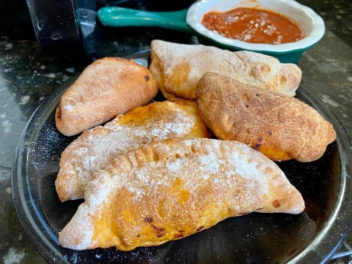 Для чуррос во фритюре тесто должно быть клейким как картофельное пюре. 5 рецептов блюд для фритюрницы