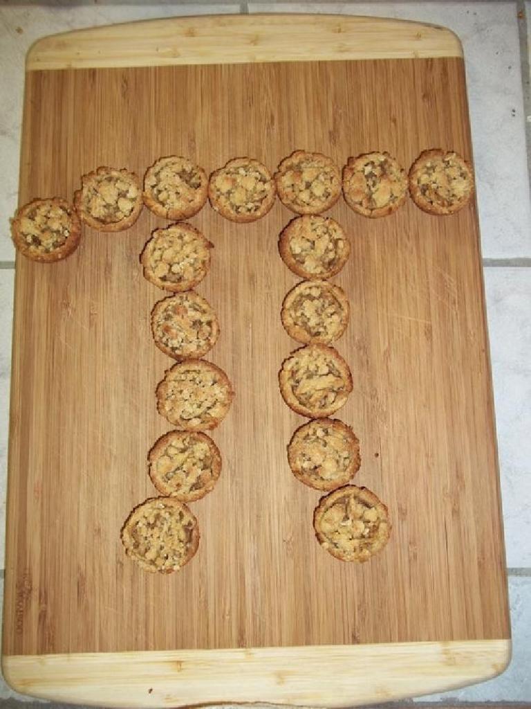 Милые и очень вкусные: как приготовить миниатюрные пироги с яблоком