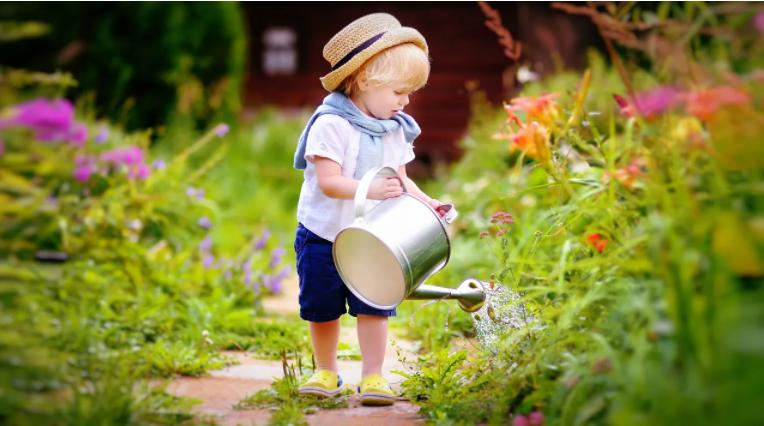 Как на ребенка влияет регулярное выполнение работы по дому: исследования показали, что дети становятся ответственными, чуткими и успешными