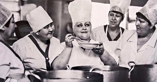 Сколько стоил обед в СССР и чем кормили в столовых в 1984 году