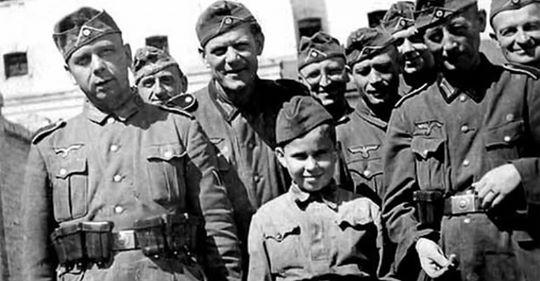 Как еврейский мальчик Илья Гальперин стал сыном полка СС и «самым юным нацистом Рейха»