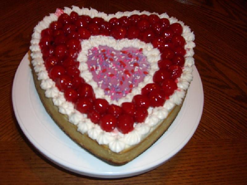 Сладкое признание в любви: готовим вкуснейший чизкейк в виде большого сердца