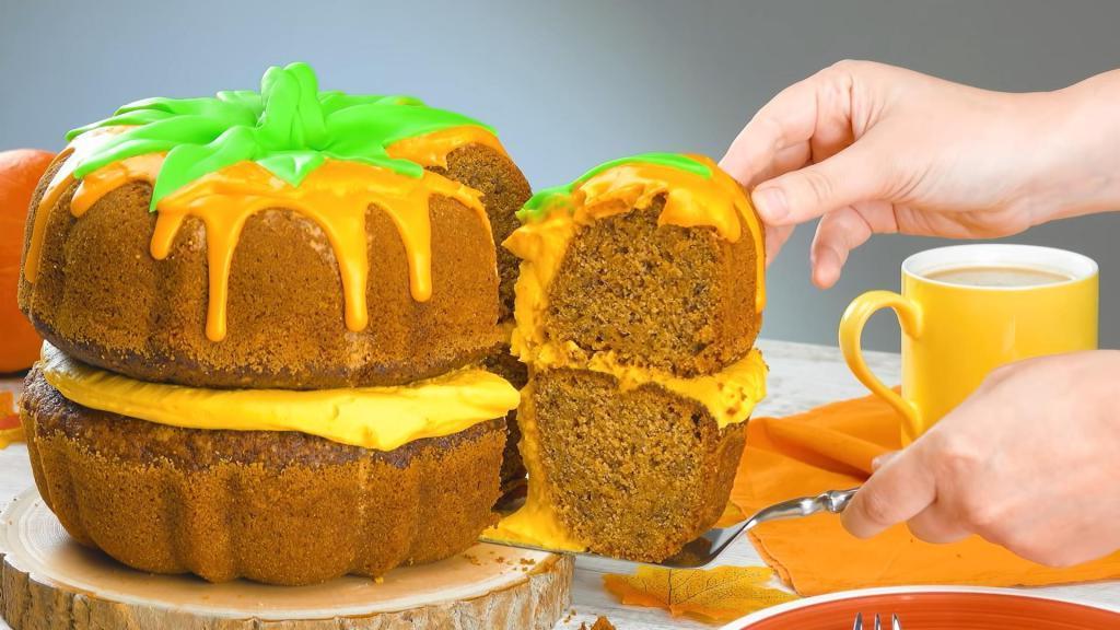 Торт из тыквы с орехами, сливочным сыром и глазурью: рецепт