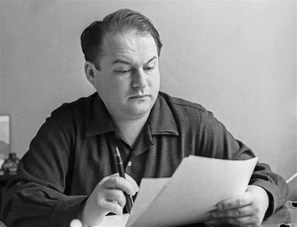 Автор Сережки с Малой Бронной: 95 лет исполнилось бы советскому поэту Евгению Винокурову