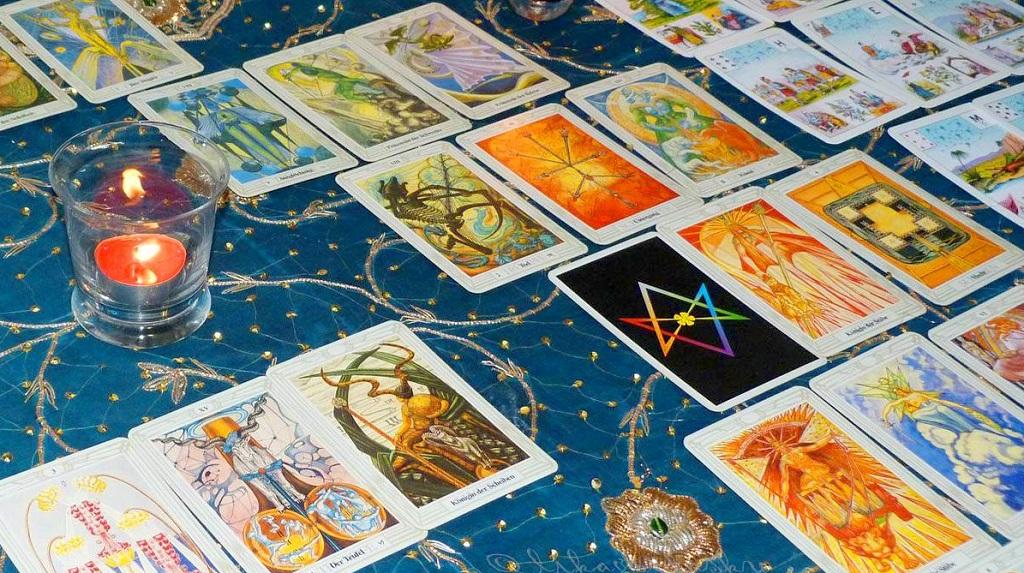 Карты таро рассказали, чего ожидать каждому знаку зодиака в октябре