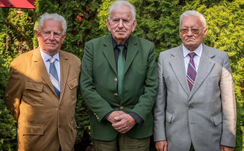 Дружба длиной в 70 лет: как трое бывших школьников пронесли теплые отношения сквозь десятилетия (фото)