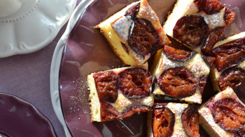 Ароматный десерт для осенних вечеров. Готовлю необычный дрожжевой торт со сливами