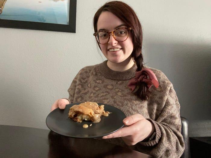 Девушка решила узнать, рецепт булочек с корицей от какого шеф-повара самый вкусный: результат эксперимента