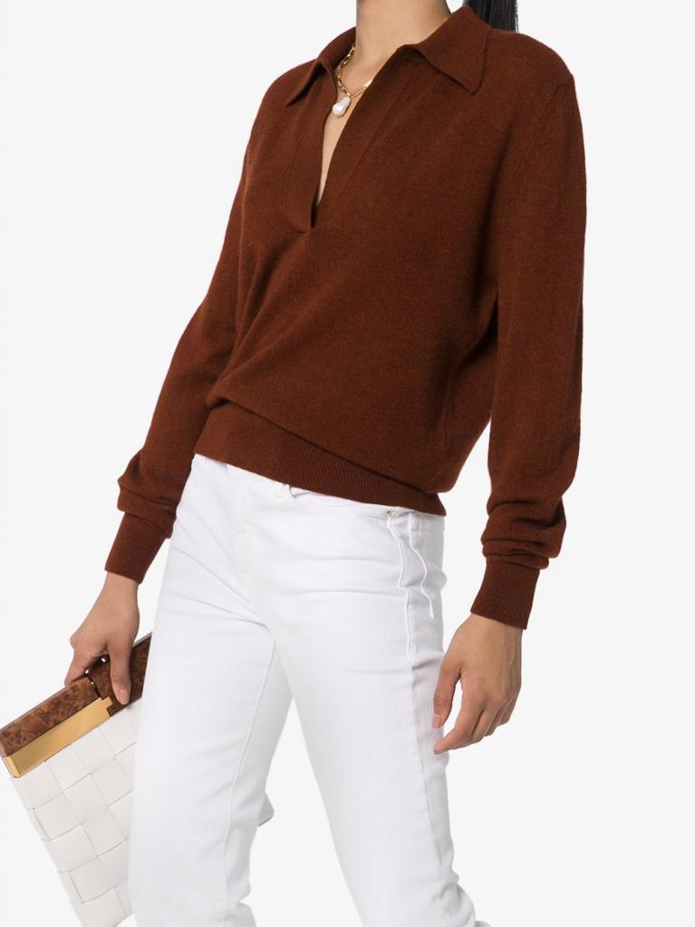 Свитер-поло - модная находка этого сезона: согревает и смотрится достойно