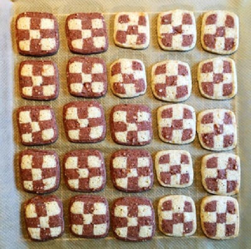 Шахматное печенье из домашнего песочного теста: все гораздо проще, чем кажется
