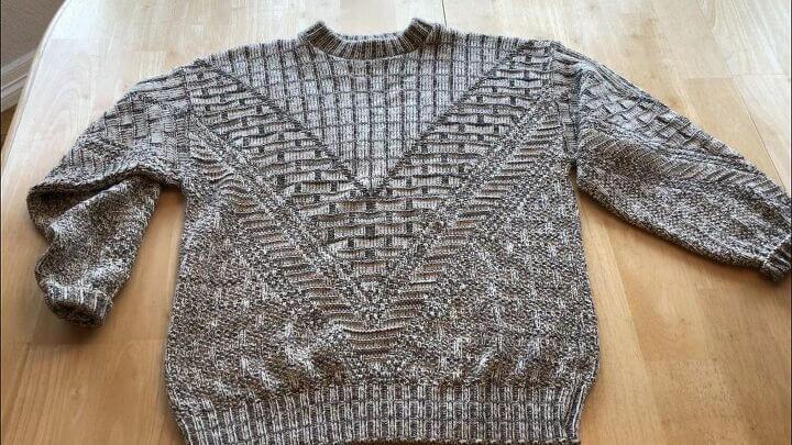 Из старых свитеров сделала красивые декоративные наволочки: шить не надо