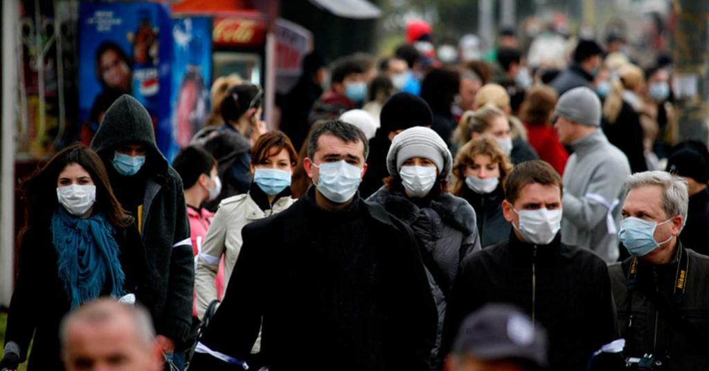 В регионах, где не контролируются скопления людей, вспышки COVID-19 зимой будут усиливаться, уверены эксперты