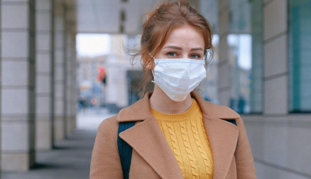 По мнению врача клиники, неправильное ношение маски может привести к заражению