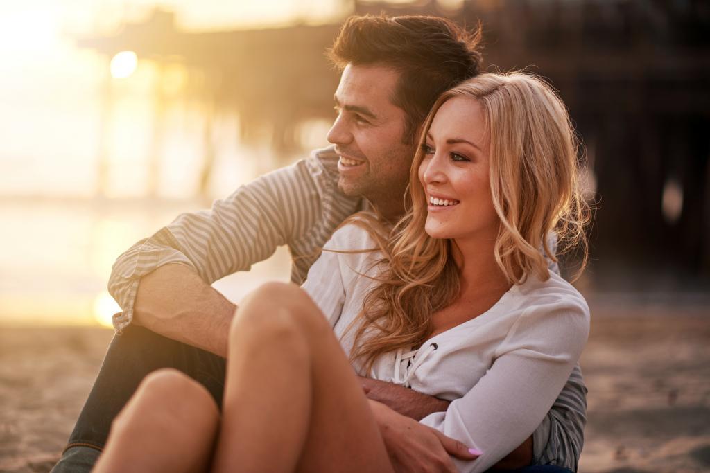 Смех, правильная осанка, щедрость и доброта: простые, научно обоснованные способысделать себя более привлекательным для окружающих